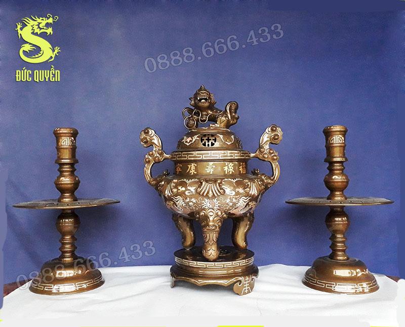 Bộ tam sự khảm tam khí từ 3 kim loại là đồng đỏ đồng vàng và bạc nguyên chất