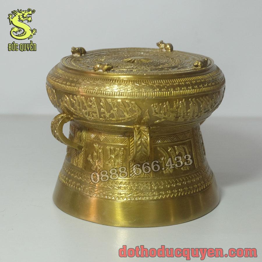 Trống đồng được đúc bằng đồng vàng