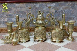 Bộ đồ thờ 14 món bằng đồng vàng