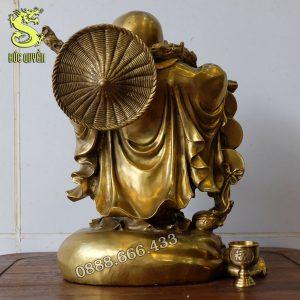 Mặt sau tượng phật di lặc bằng đồng vàng